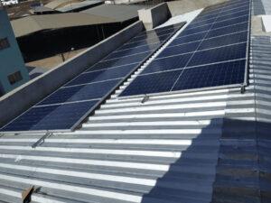 residência com sistema de energia solar
